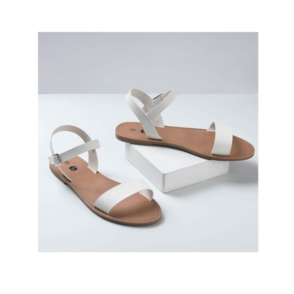 Cute Flat Sandals With Ankle Strap
